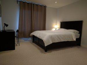 2 - Queen Bed.jpg