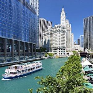 Bobbys-Bike-Hike-Chicago-Riverwalk-Walking-Tour-1.jpg