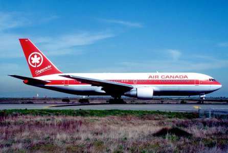 Air_Canada_Boeing_767.jpg